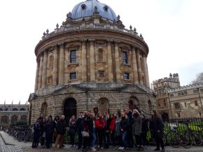 Students visit New College, Oxford